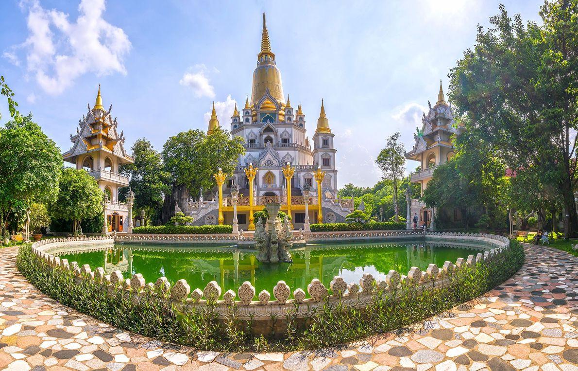 Pagoda Buu Long, Vietnam