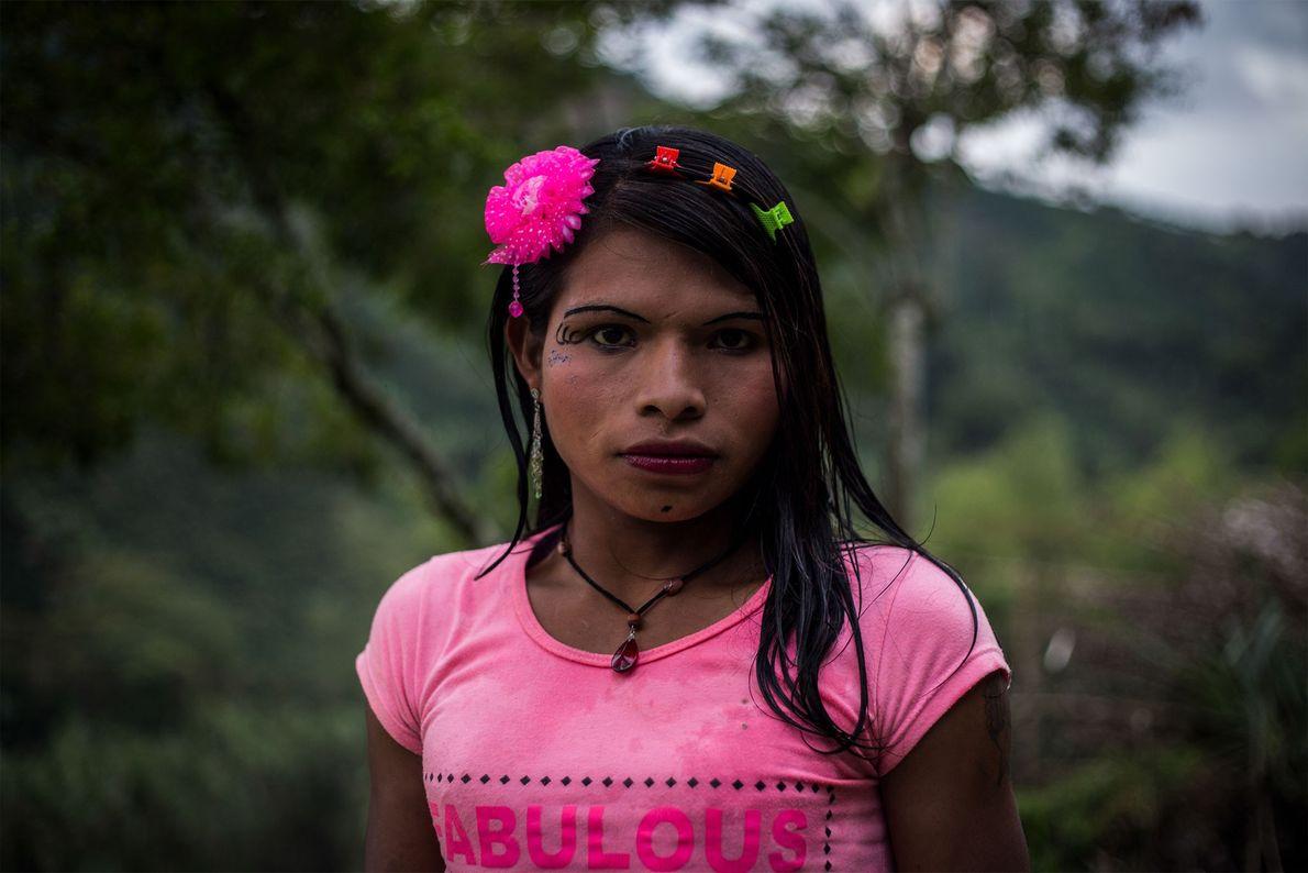 Yuliana pertenece al grupo étcnico emberá katio y procede de la región del Pacífico oriental de ...