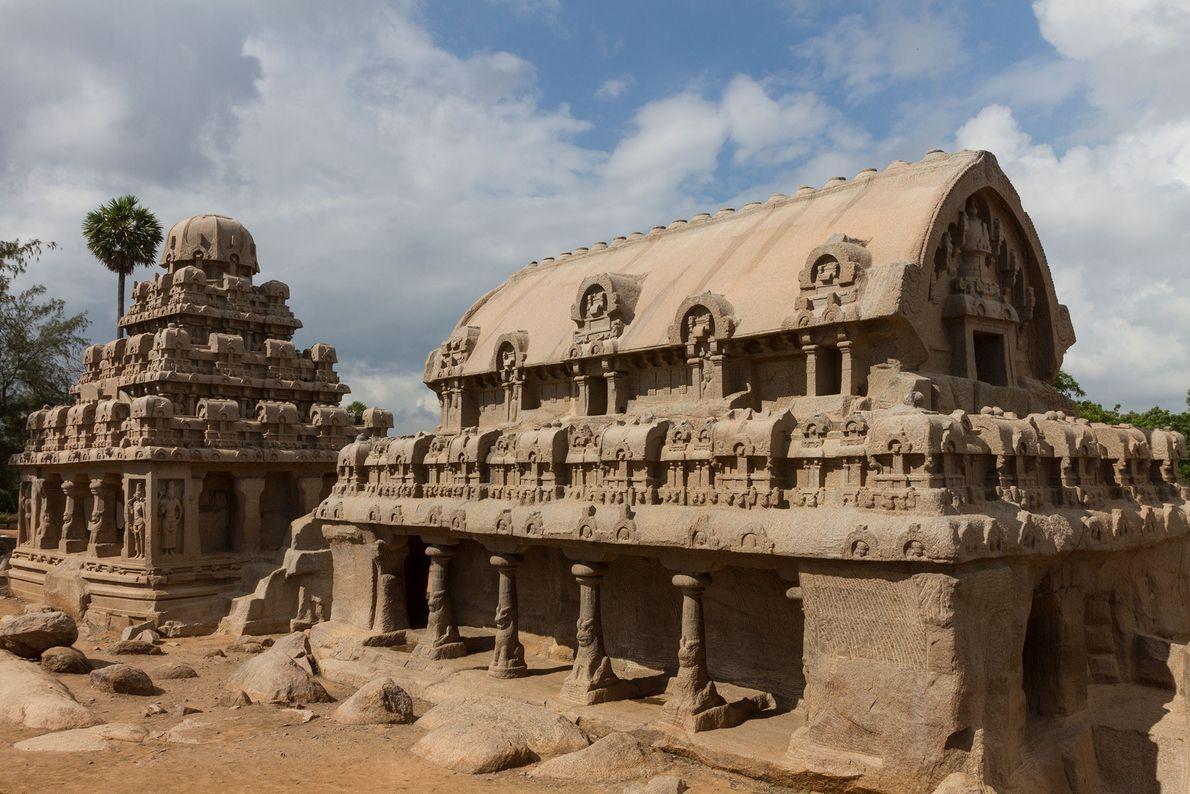 Mahabalipuram, India Los monumentos del complejo Pancha Rathas en la región sur de India fueron tallados a ...