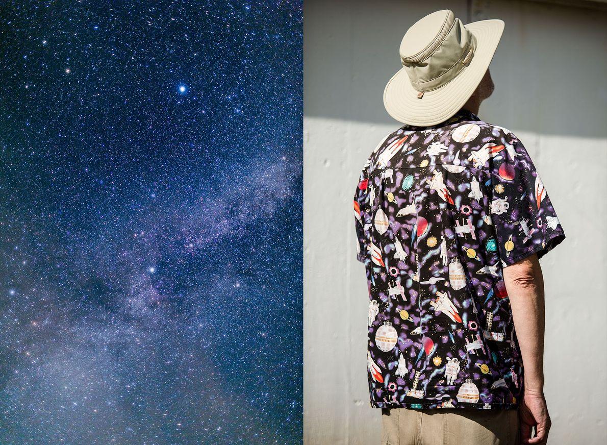 Una imagen del cielo nocturno durante Stellafane. Joe Bergeron, artista espacial y autor de Endwell, Nueva ...