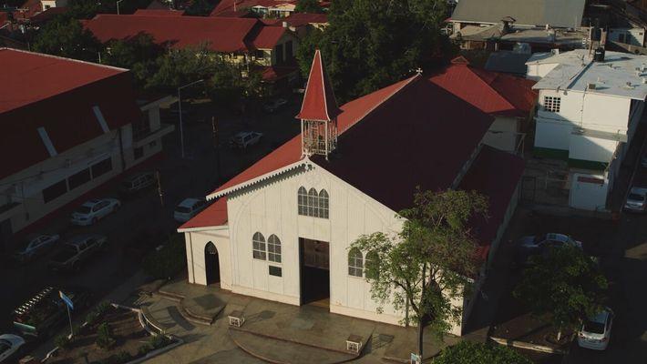 Escenas inéditas: Iglesia de Santa Bárbara | Sobrevolando