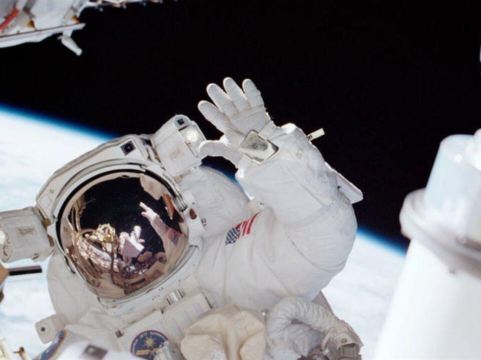 Astronautas glamorosos: Por qué llevan oro en sus misiones al espacio