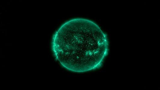 El Sol es verde. Descubre la razón | One Strange Rock