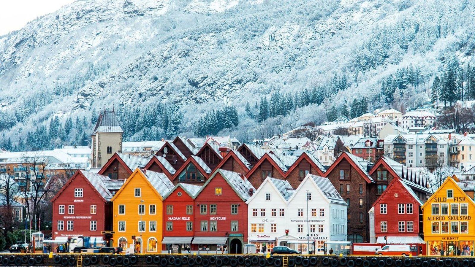 Bryggen, el colorido puerto de Bergen declarado lugar Patrimonio de la Humanidad de la Unesco, sirvió ...