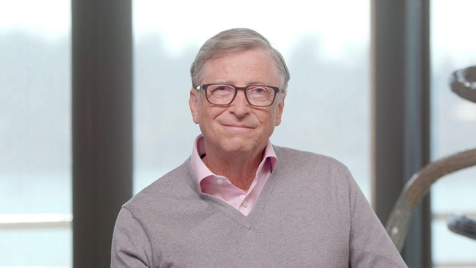 Bill Gates, empresario estadounidense y cofundador de Microsoft, fue entrevistado por la directora editorial de National ...