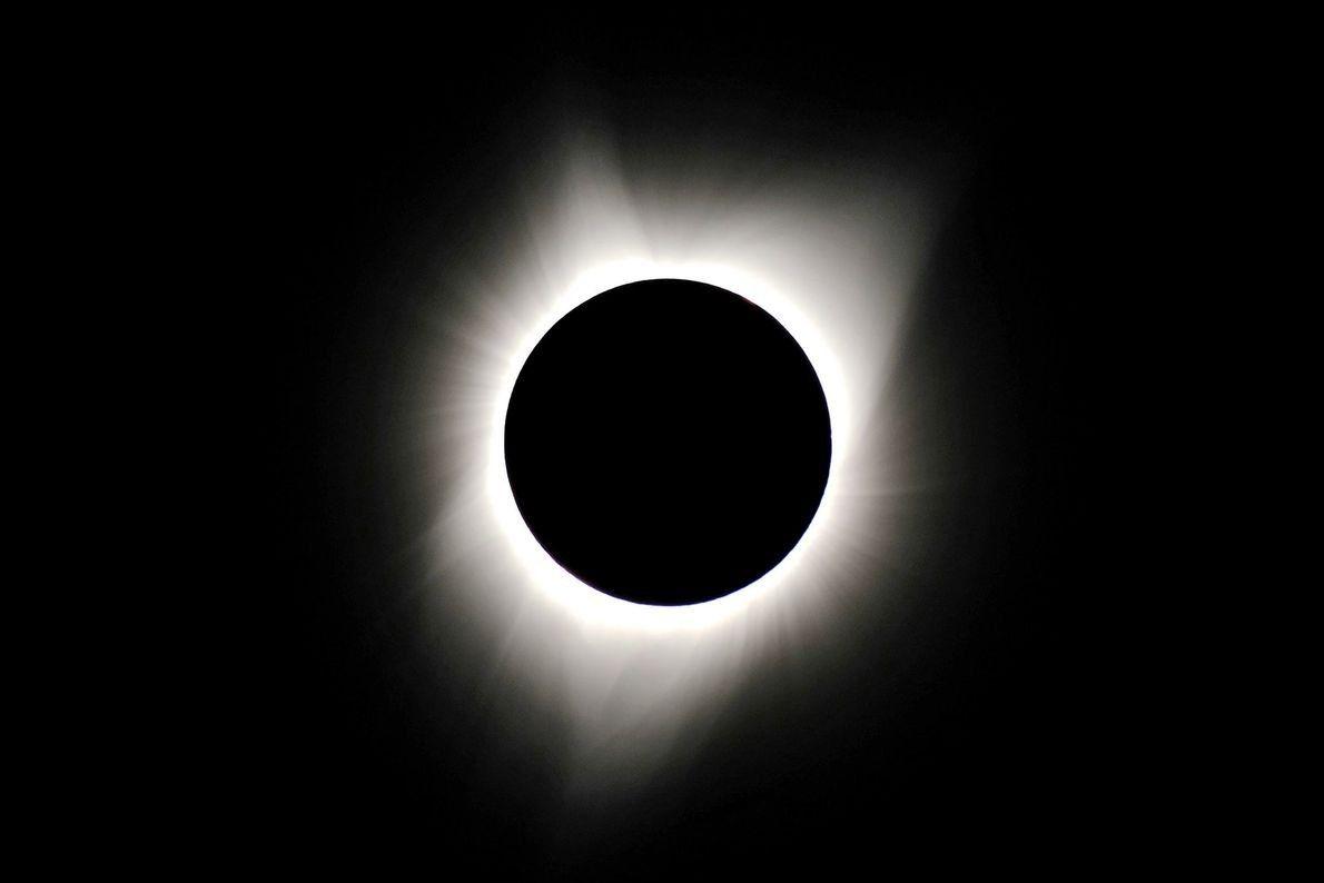 21-solar-eclipse-wire