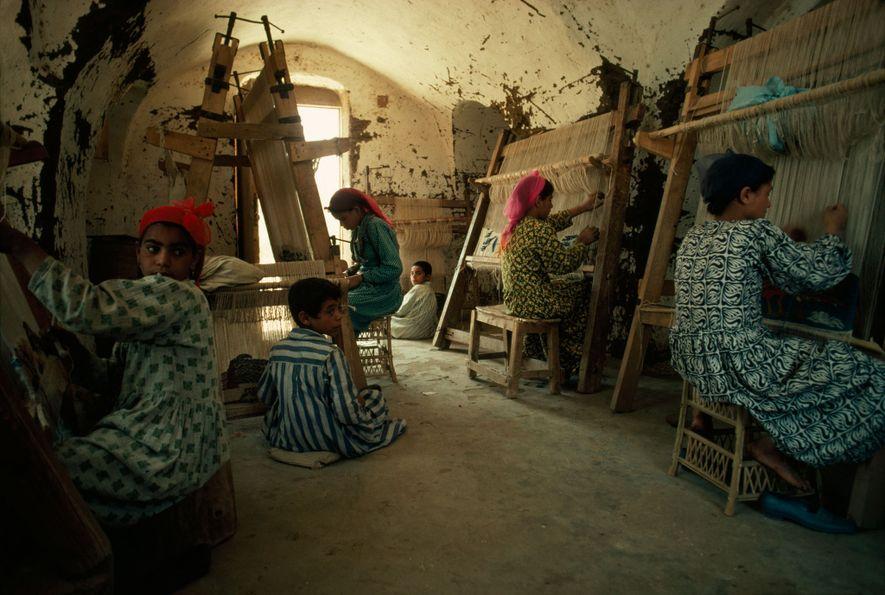 Los diseños de los tejedores de Harrania en Egipto han ganado el reconocimiento mundial.