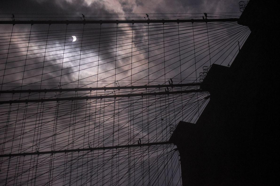 27-solar-eclipse-wire