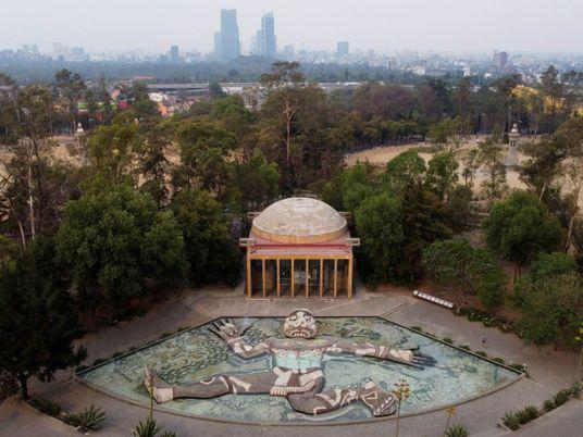 La Fuente de Tláloc, una escultura gigante del dios azteca que simboliza la identidad mexicana