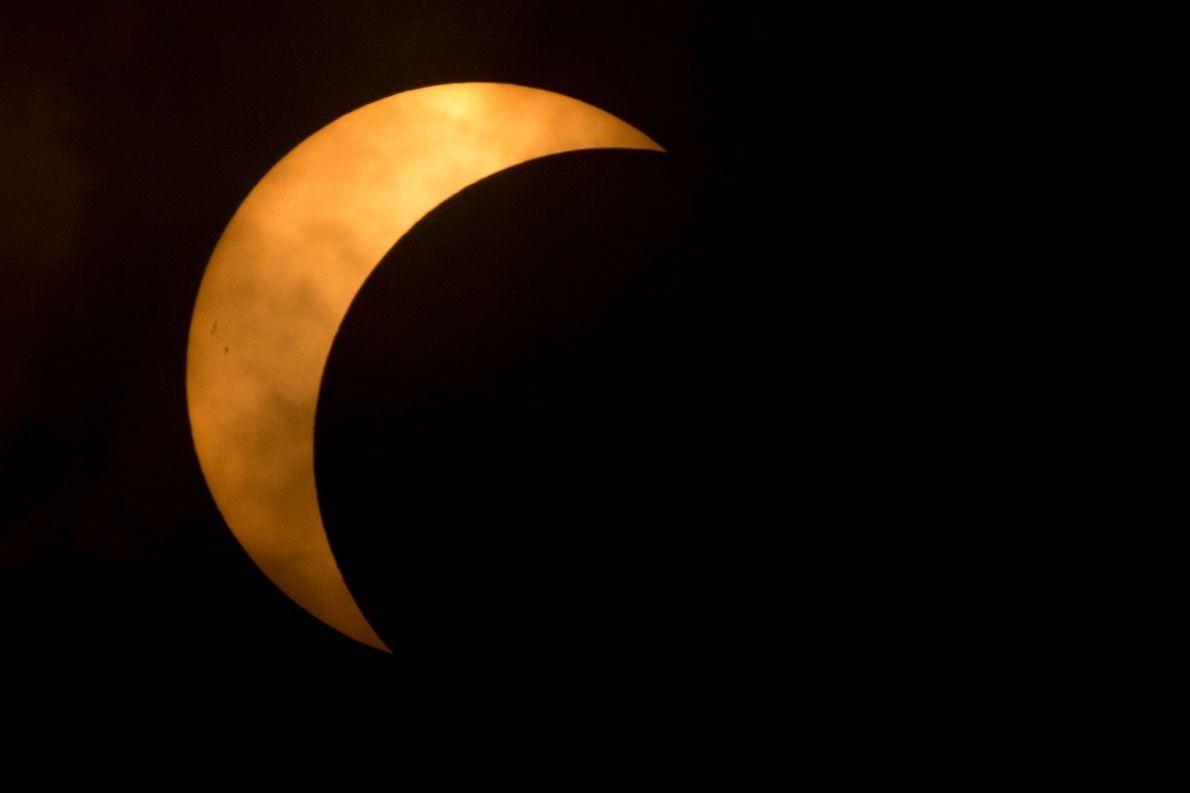 17-solar-eclipse-wire