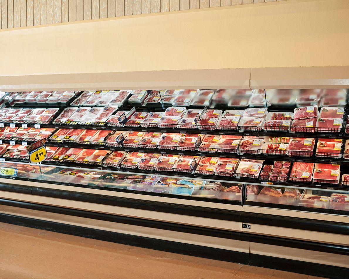 Carne de res se exhibe en un supermercado en Dallas, Texas.