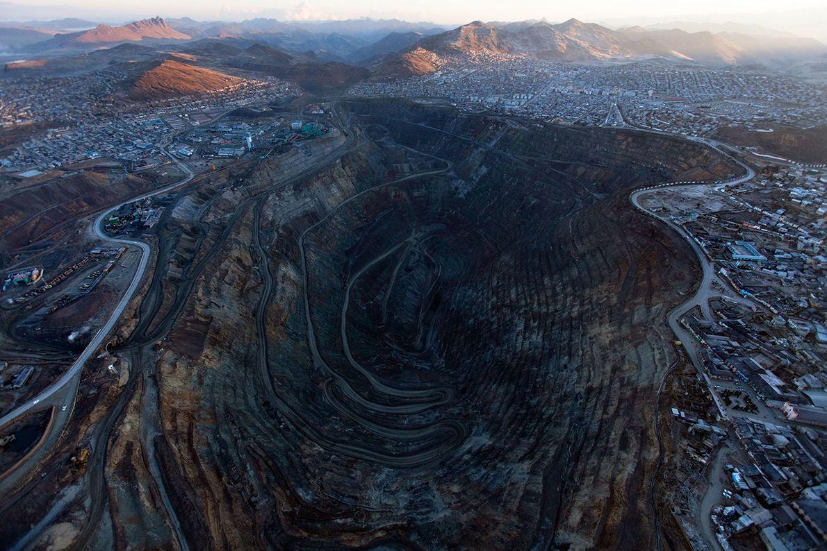 El centro histórico de Cerro de Pasco, Perú, ha sido consumido en gran parte por medio ...