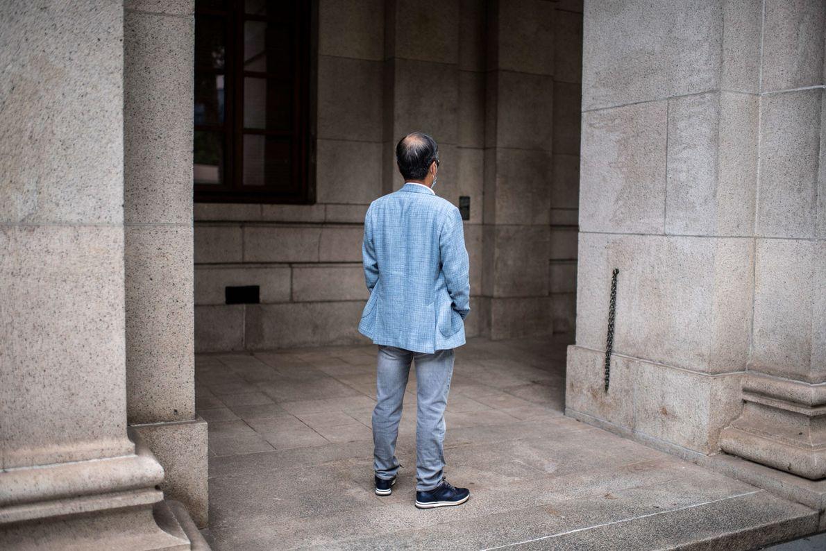 Un médico pro-Pekín de unos 60 años se encuentra frente al Tribunal Supremo de Apelación de ...