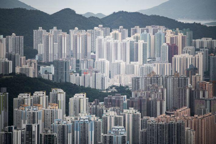 """La vista de Kowloon desde la cresta de la montaña Lion Rock en Hong Kong. El """"espíritu ..."""