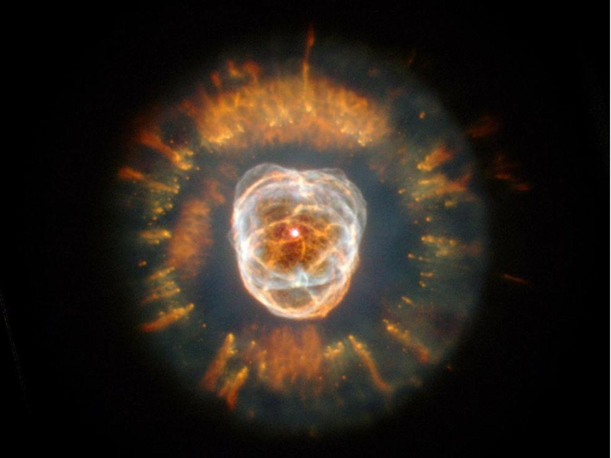 NEBULOSA ESQUIMAL - La nebulosa Esquimal recibió ese nombre debido a que el astrónomo que la …