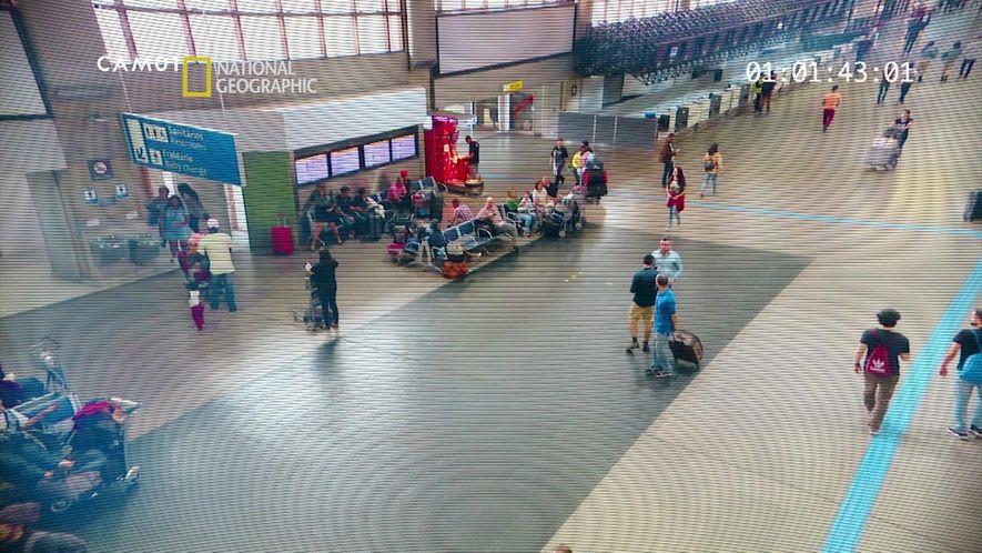 Alerta Aeropuerto: Encuentra el delito 1