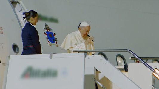 La Policía escolta al Papa Francisco | Alerta Aeropuerto Roma