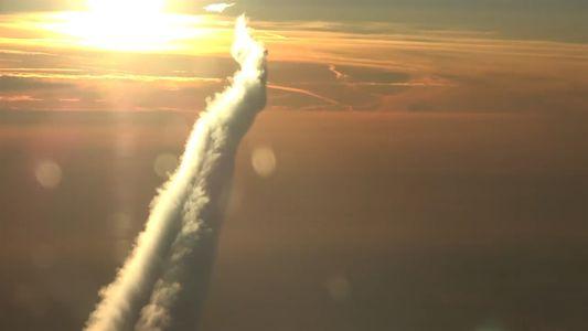 ¿Cómo se ve la estela de un avión desde arriba?