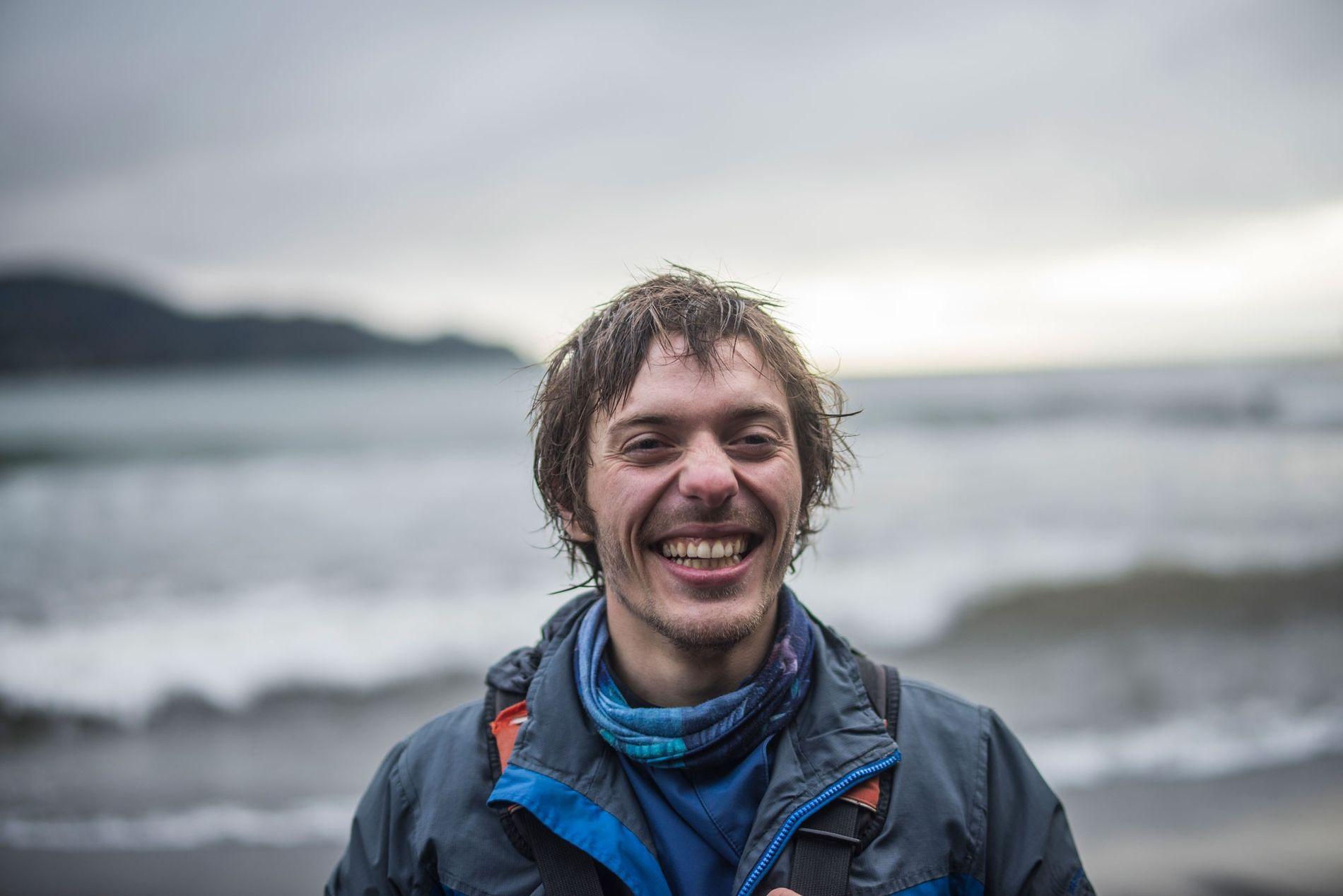 El explorador de National Geographic Jens Benöhr. Antropólogo y kayakista chileno dedicado a la educación ambiental ...