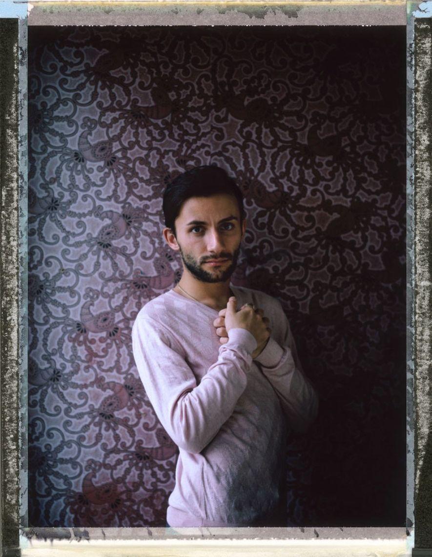 Ruslan Savolaynen, 25 años, es un sobreviviente de múltiples ataques homofóbicos. Muchos asaltos le han ocasionado ...
