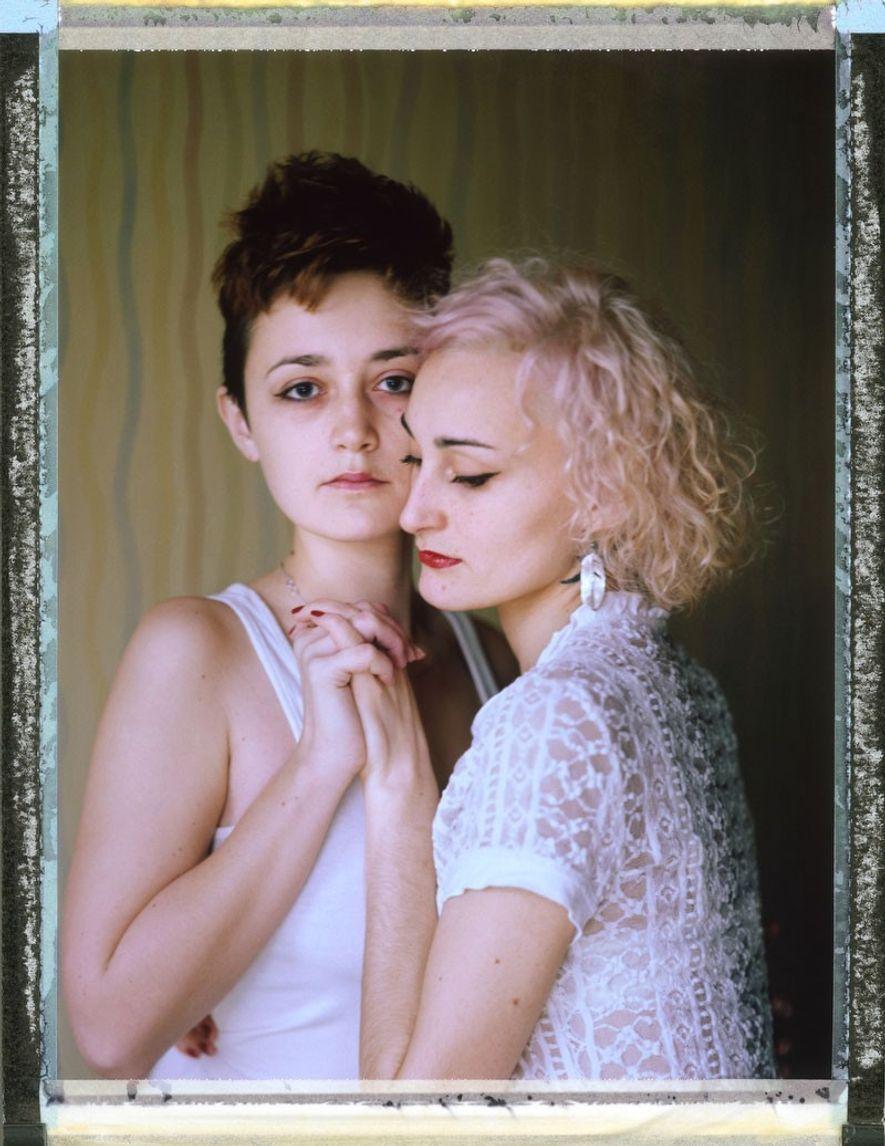 """Pareja lesbiana: """"O"""", 27 años (a la derecha), y """"D"""", 23 años (a la izquierda). Fueron ..."""
