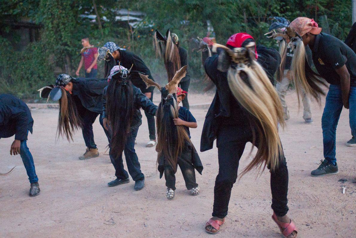 """Diablos de Collantes, Cuajinicuilapa, Guerrero, México, 2017 - """"La danza de Diablos es un ritual dedicado ..."""