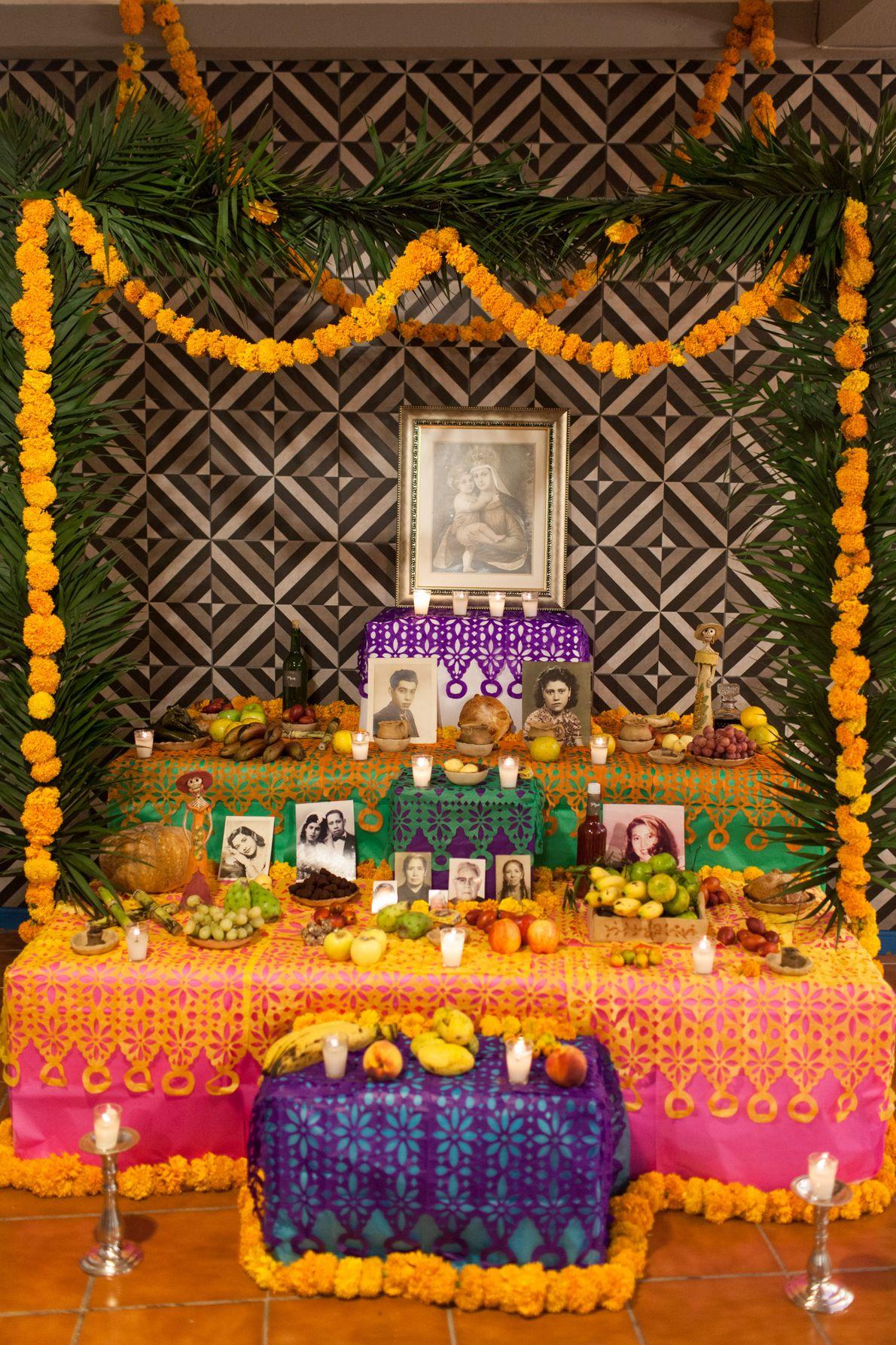 """Altares de Naolinco, Veracruz, México, 2016 - """"El altar es una pieza fundamental en la celebración, ..."""