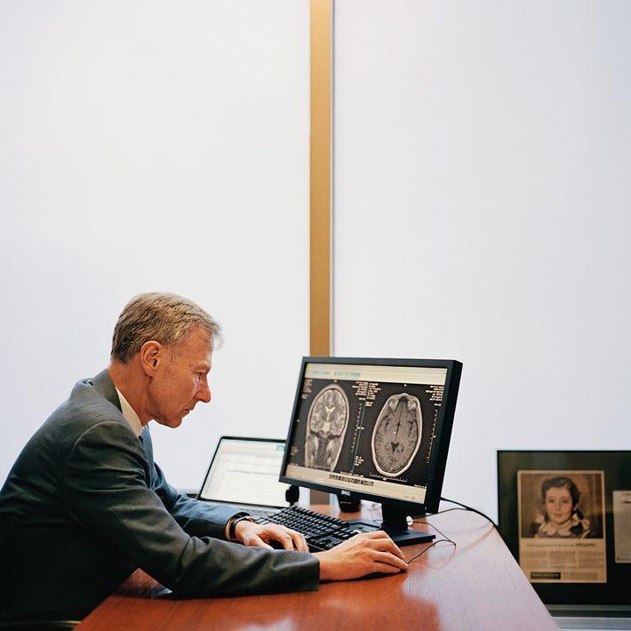 Orrin Devinsky, neurólogo de la University of New York (Universidad de Nueva York), es más escéptico. ...