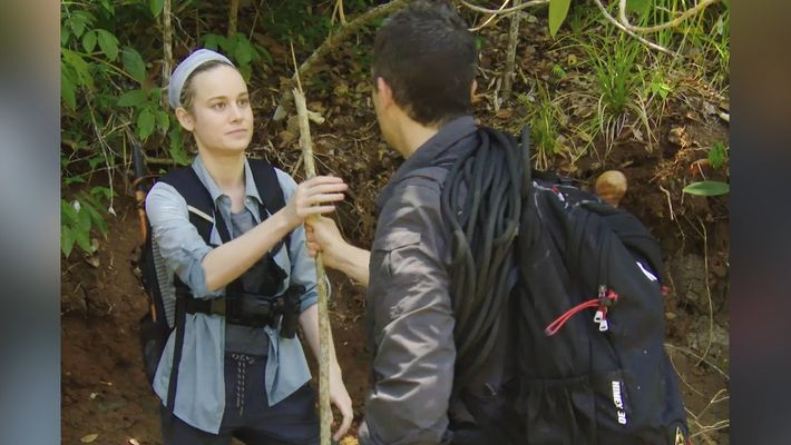 Haciendo una lanza con Brie Larson (escena inédita)   Salvajemente Famosos