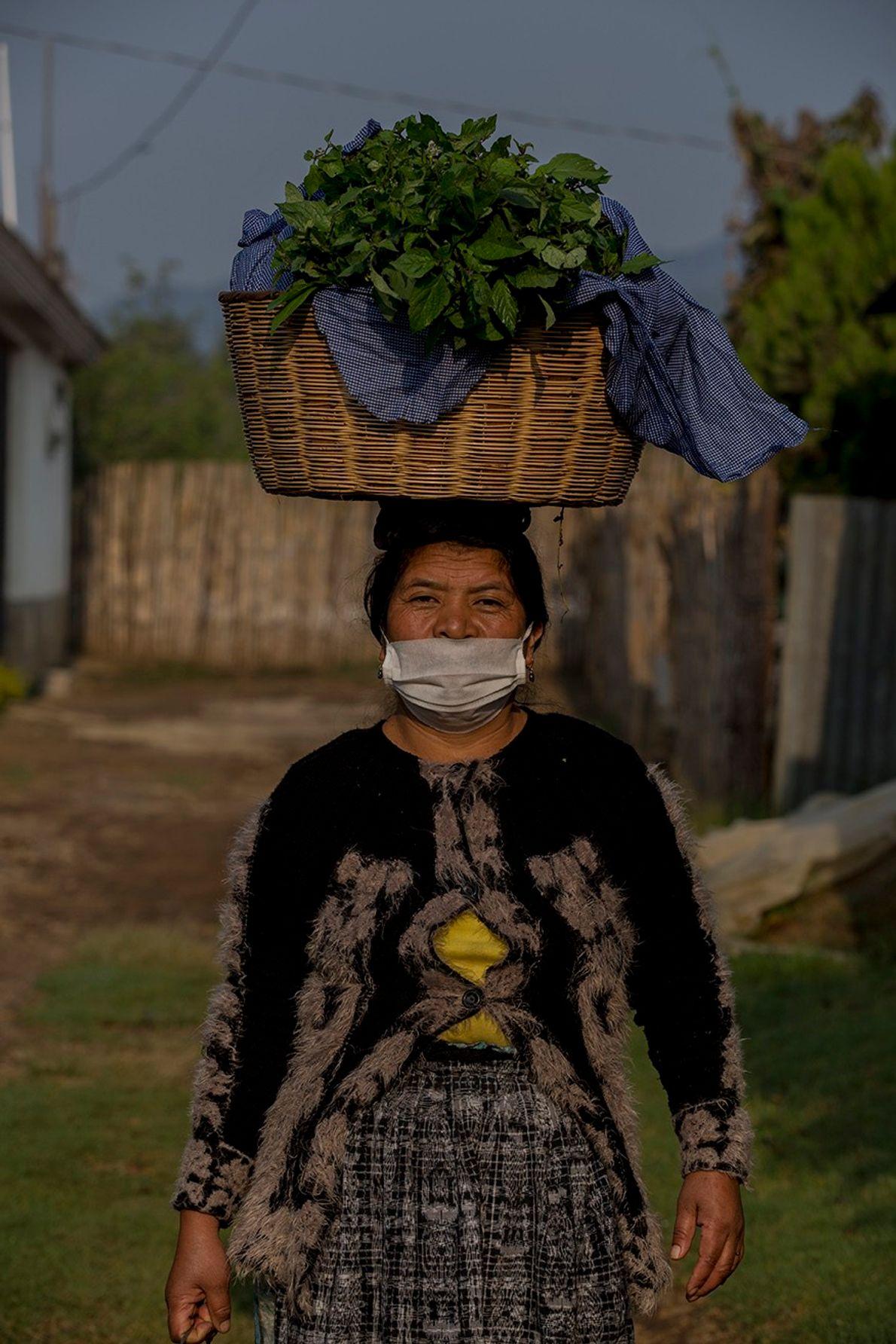 Retrato de Doña Pancha en la comunidad de Tecpán, Guatemala.