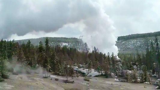 El géiser más poderoso del mundo entra en erupción tres veces después de años de quietud
