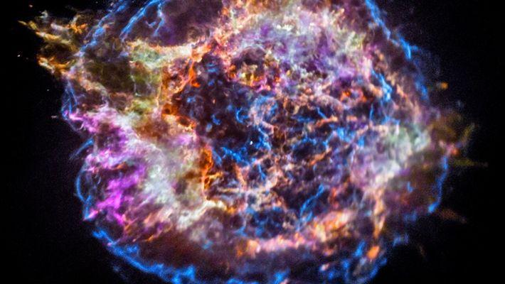 Explora los restos de una supernova