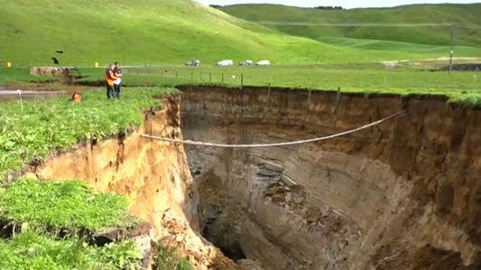 ¿Por qué se abrió un sumidero enorme en Nueva Zelanda?