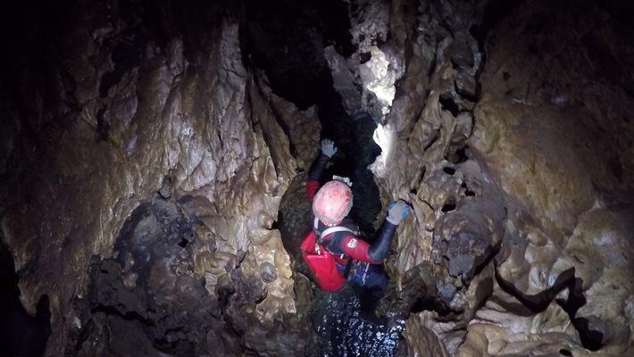 Claustrofóbicas imágenes de exploradores en el Sistema de Huautla, en México