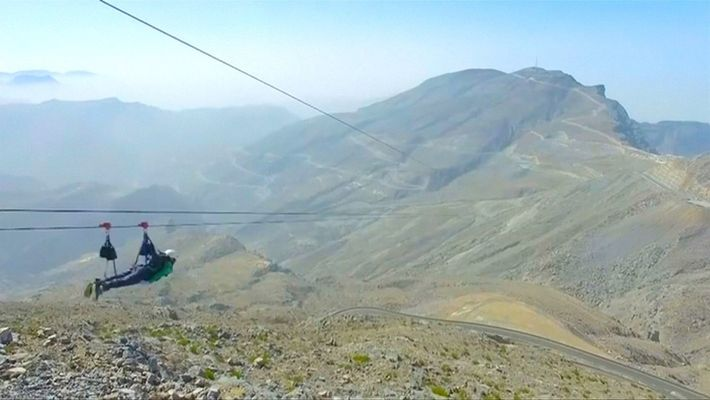 Súbete a la tirolesa más larga del mundo