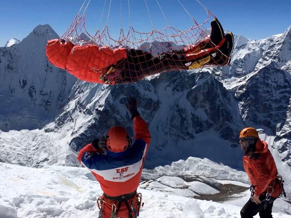 Cómo los rescatistas salvan a los escaladores en las montañas más altas del mundo