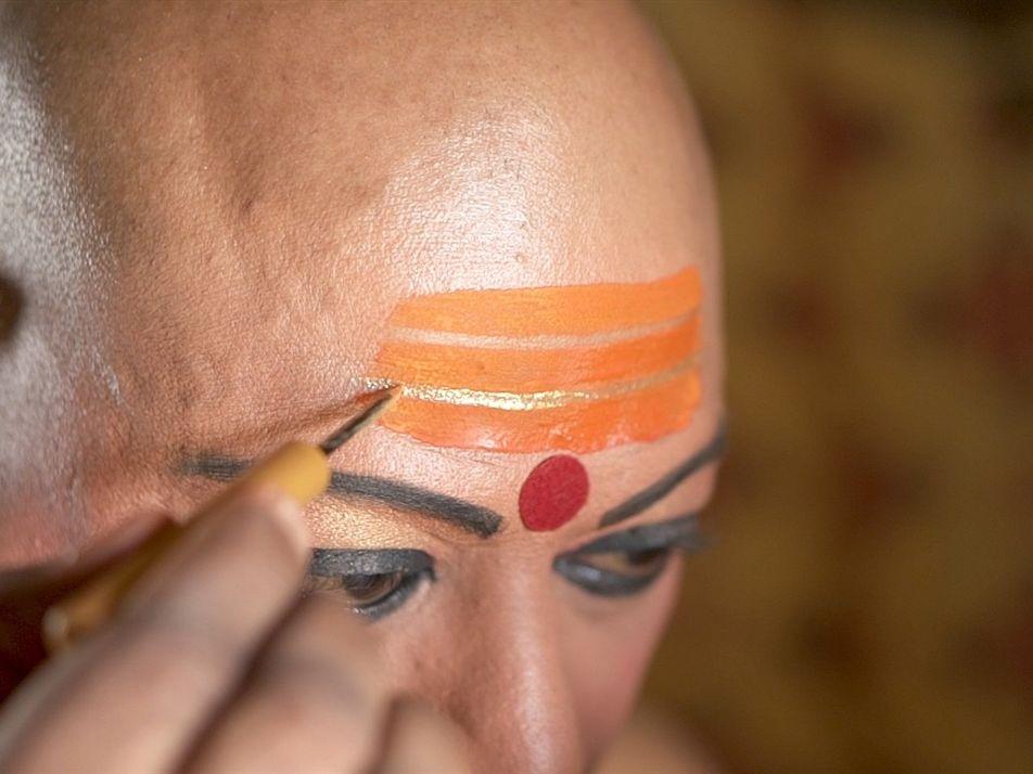 La comunidad transgénero celebra la inclusión histórica en el festival hindú Kumbh Mela