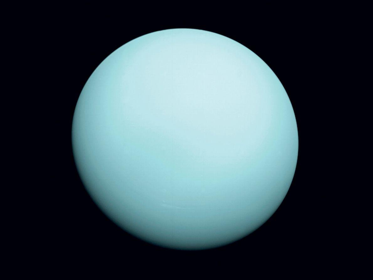 El 24 de enero de 1986, el Voyager 2 se acercó a 81.433 kilómetros del gigante ...