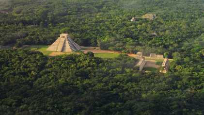 Yucatán: Descubre datos asombrosos de sus cenotes, Chichen Itzá y Uxmal   Sobrevolando