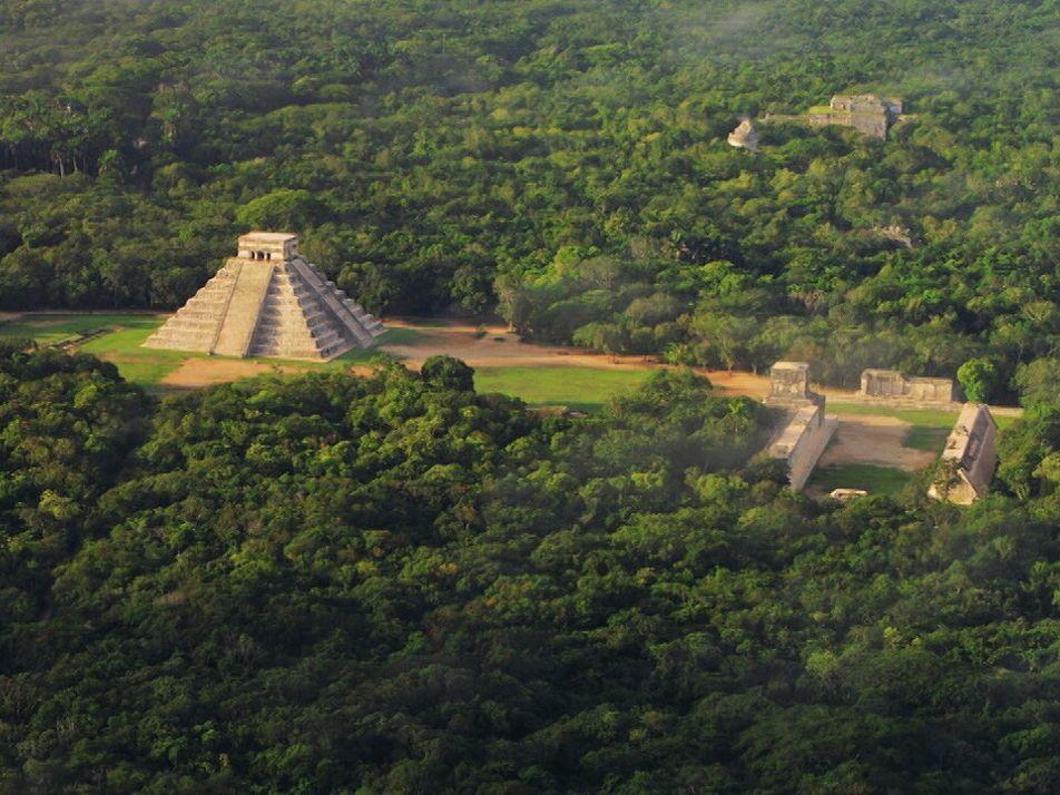 Yucatán: Descubre datos asombrosos de sus cenotes, Chichen Itzá y Uxmal | Sobrevolando