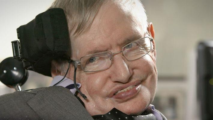 Hablemos del Cosmos: Stephen Hawking y una prueba a Isaac Newton