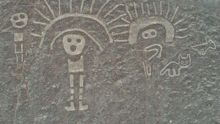 Dibujos antiguos recién descubiertos en el desierto de Perú