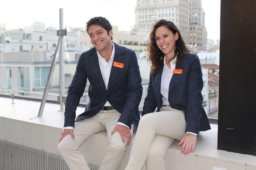 Cadena hotelera española incorpora uniformes elaborados a partir de plástico reciclado