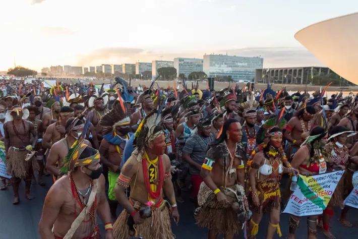 Davi Kopenawa estuvo en Brasília para acompañar las protestas contra la tesis del marco temporal, cuya ...
