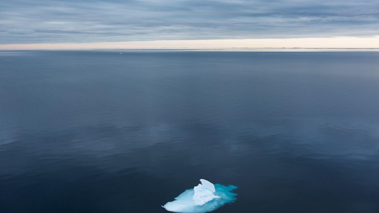 El hielo marino del estrecho de Fram puede contener tantas partículas de microplásticos como existen en ...