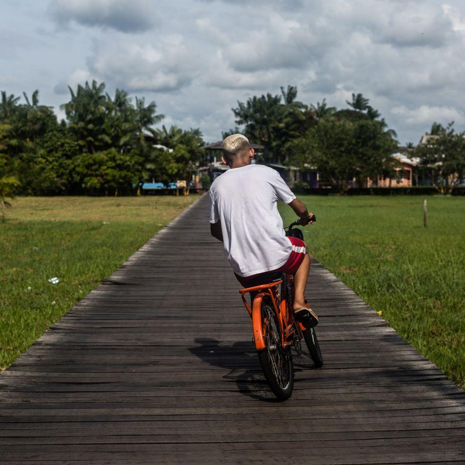 Escenas de Afuá, la ciudad de las bicicletas en la Amazonía brasileña