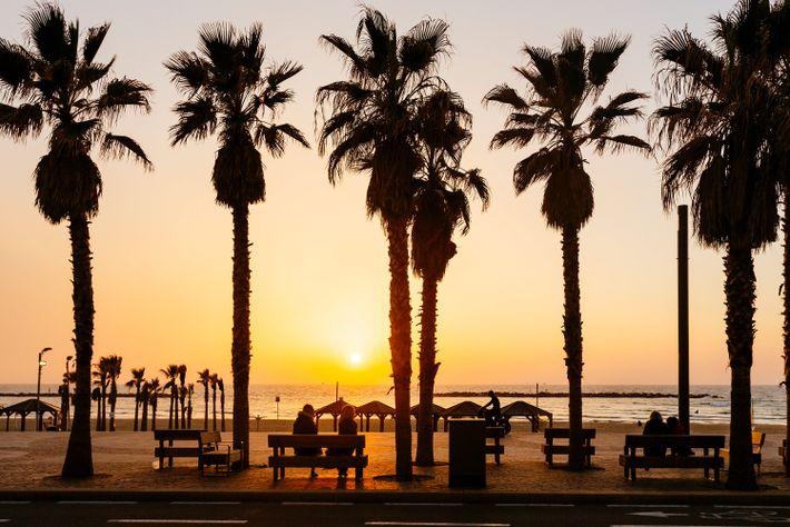 5. ISRAEL - Una combinación de dieta con influencias mediterráneas, sólidos valores familiares y culturales, y ...