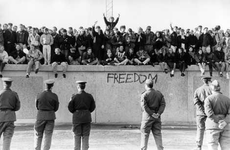 Por qué se levantó el Muro de Berlín... y cómo cayó
