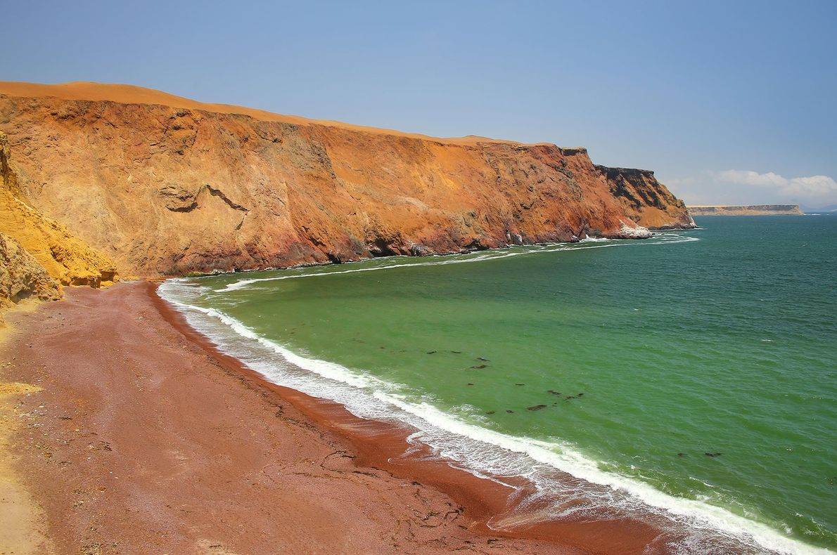 Playa Roja, Ica, Perú