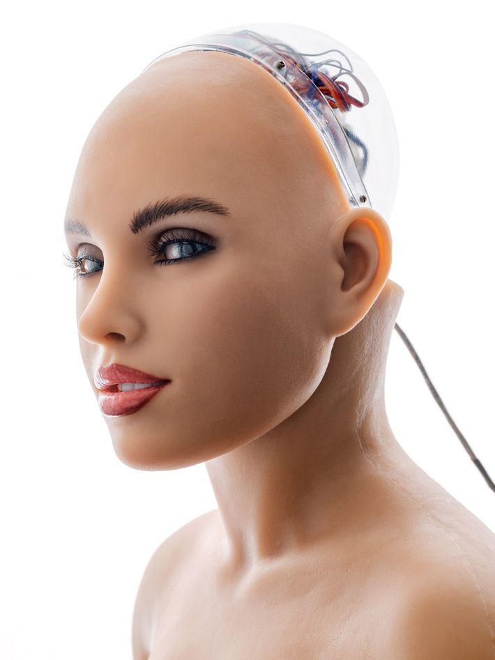 Algunos especialistas en robótica diseñan máquinas que imitan a los humanos y lucen muy similar a ellos. ...